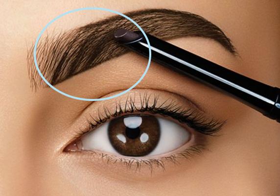 Como-contornas-e-preencher-sobrancelhas-Beautylist-4